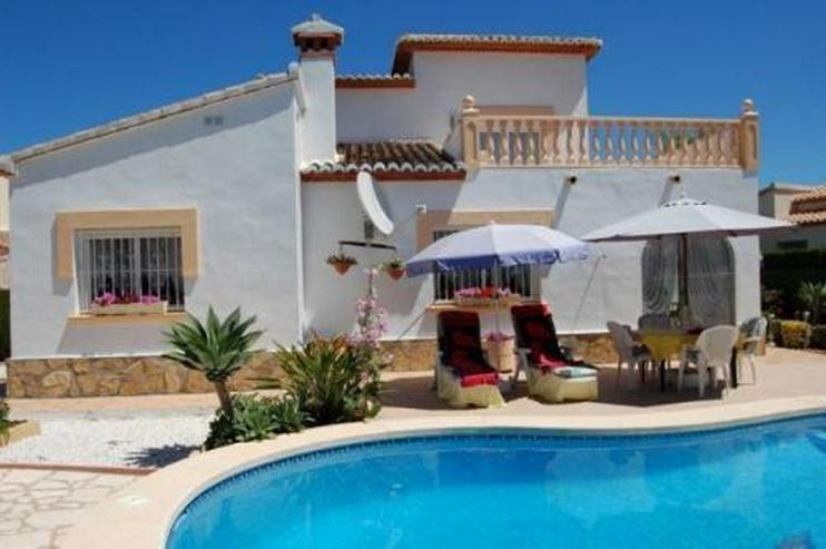 Villa mit Gästeappartement und Pool - Haus kaufen - Bild 1