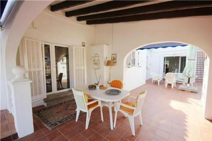 Bild 4: Großzügige Villa mit Doppelgarage und sep. Baugrundstück nur 150 Meter vom Meer