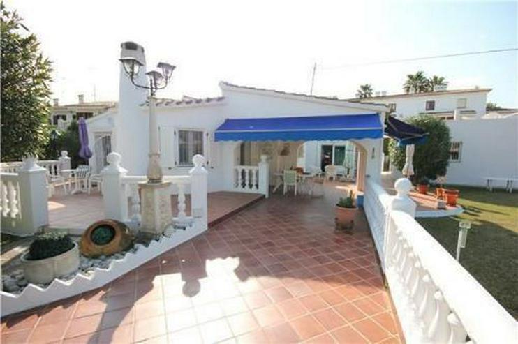 Großzügige Villa mit Doppelgarage und sep. Baugrundstück nur 150 Meter vom Meer
