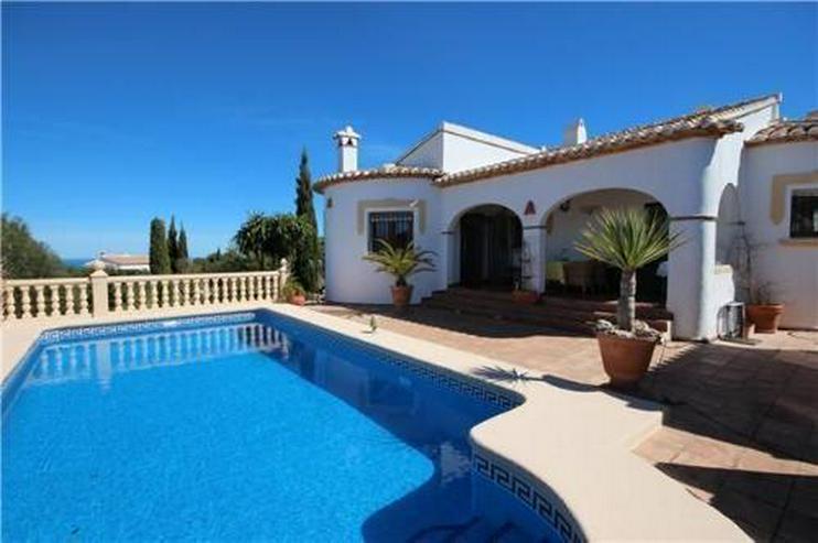 Wunderschöne Villa mit Gästebereich, Pool und Meerblick