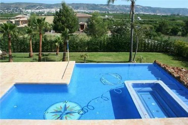 Bild 4: Neuwertige Luxusvilla mit Überlaufpool, Gästewohnung, Meersicht und Garage