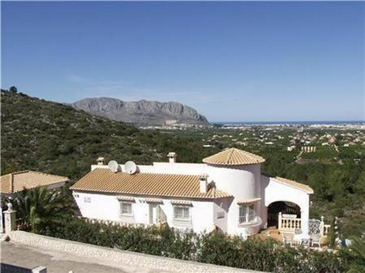 Beeindruckende Villa mit 3 Wohneinheiten, Pool und herrlichem Meerblick - Haus kaufen - Bild 1