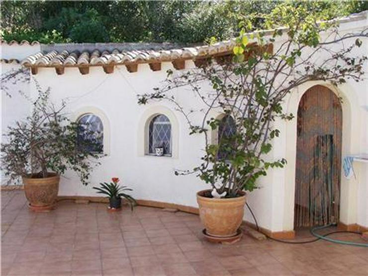 Bild 5: Beeindruckende Villa mit 3 Wohneinheiten, Pool und herrlichem Meerblick