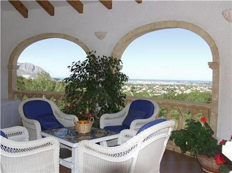 Bild 6: Beeindruckende Villa mit 3 Wohneinheiten, Pool und herrlichem Meerblick