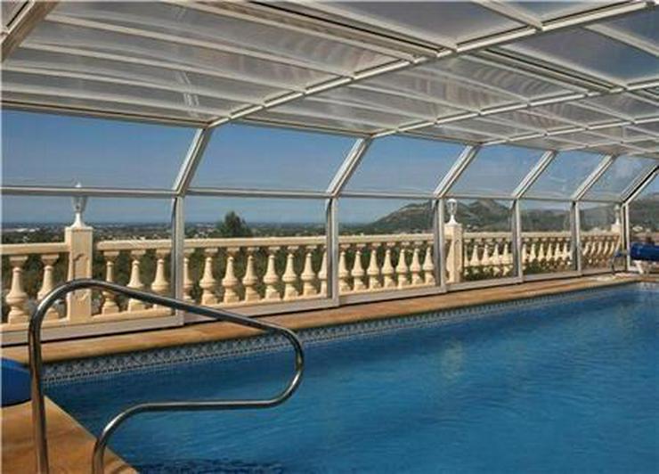 Bild 2: Beeindruckende Villa mit 3 Wohneinheiten, Pool und herrlichem Meerblick