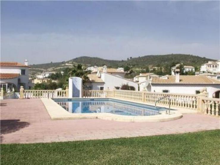 Bild 2: Villa in kleiner Gemeinschaftsanlage mit großem Gemeinschaftspool am Monte Solana