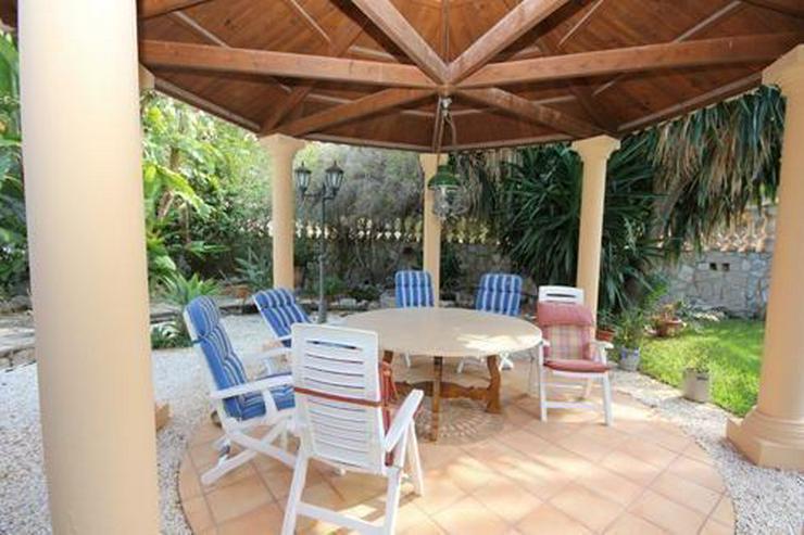 Bild 4: Villa mit Gästewohnung und Garage auf uneinsehbarem Grundstück