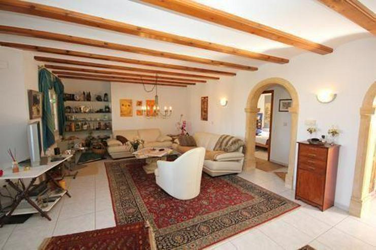 Bild 5: Villa mit Gästewohnung und Garage auf uneinsehbarem Grundstück