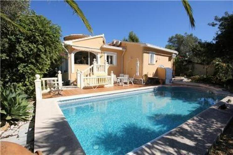 Sehr private Villa mit Pool, Wintergarten und Carport in Denia ...