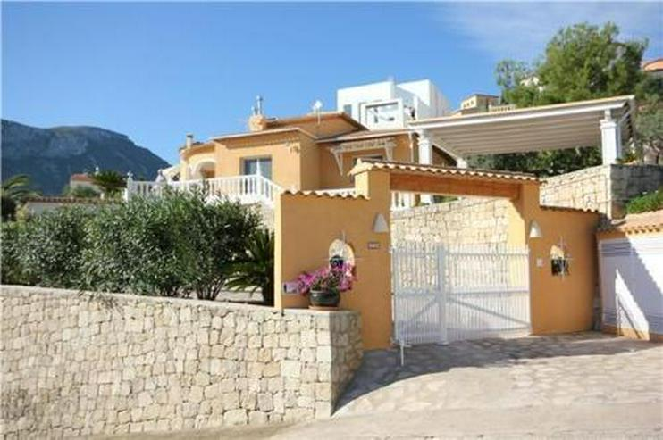 Hochwertig ausgestattete Villa mit zahlreichen Extras in unbeschreiblich schöner Aussicht... - Bild 1