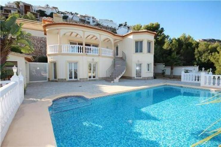 Bild 1: Luxuriöse Villa mit gigantischer Meersicht