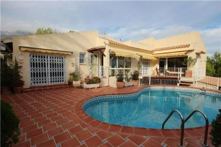 Wunderschöne Villa mit Pool und einzigartigem Meerblick - Bild 1