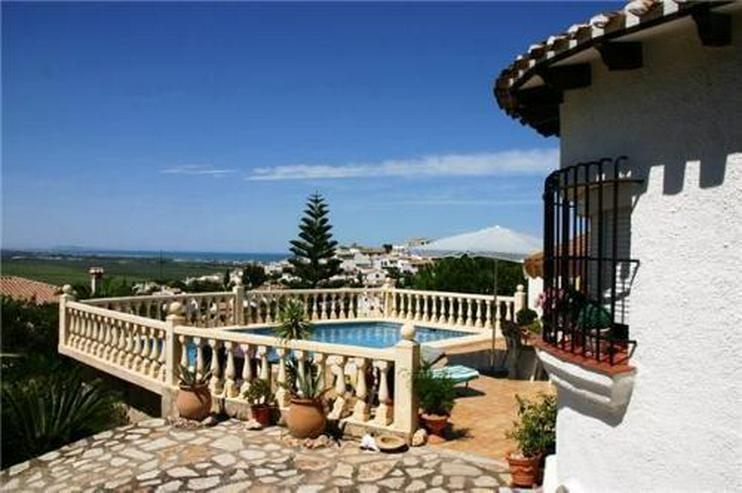 Bild 2: Villa am Monte Pego mit toller Sicht über die Reisfelder, auf das Meer und auf die Berge
