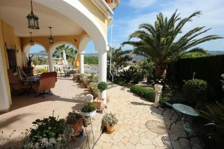 Bild 4: Schöne zweistöckige Villa mit Pool in toller Aussichtslage
