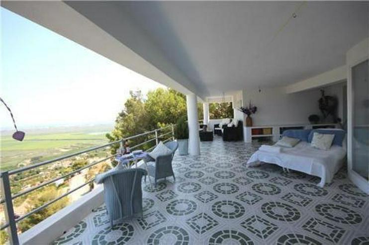 Bild 4: Luxusvilla mit 2 Wohneinheiten, Pool und traumhaftem Meerblick