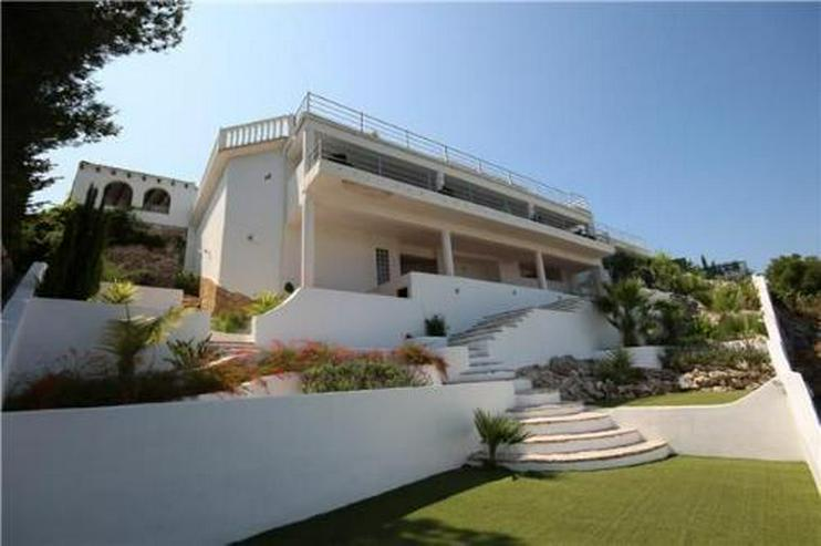 Luxusvilla mit 2 Wohneinheiten, Pool und traumhaftem Meerblick - Haus kaufen - Bild 1