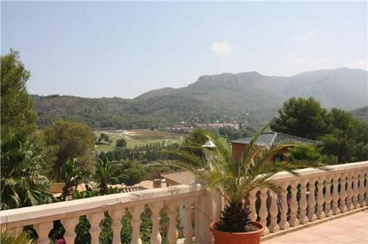 Bild 3: Märchenhafte Villa mit Garage, beheizbarem Pool und schönem Meer- und Bergblick