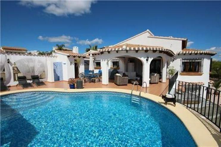 Neuwertige Luxusvilla mit 2 Wohneinheiten, Pool und Meerblick in ruhiger Lage am Monte Peg... - Haus kaufen - Bild 1