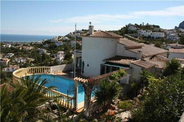 Villa mit wunderschöner Aussicht und großzügiger Gästewohnung - Haus kaufen - Bild 1