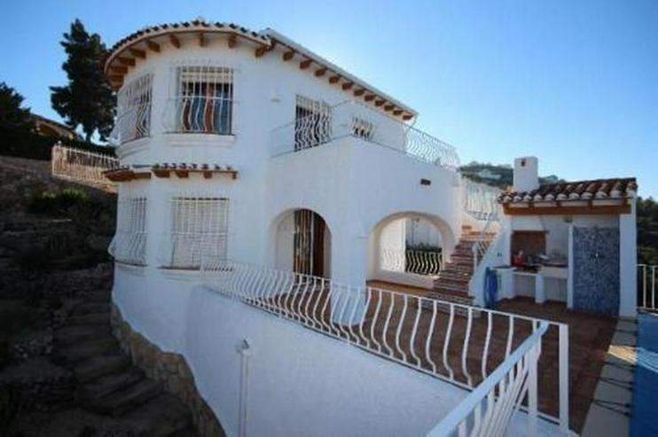 Bild 4: Sehr gepflegte Villa mit Pool in herrlicher Aussichtslage