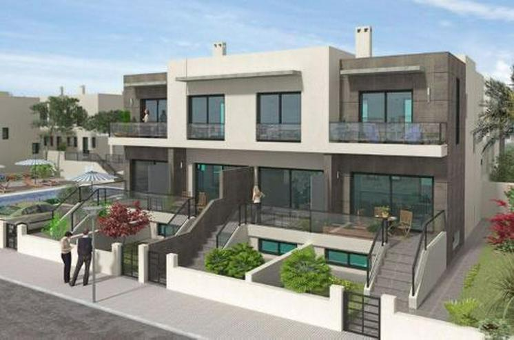 Moderne Neubau-Reihenhäuser mit 2 Schlafzimmern und großem Souterrain - Haus kaufen - Bild 1