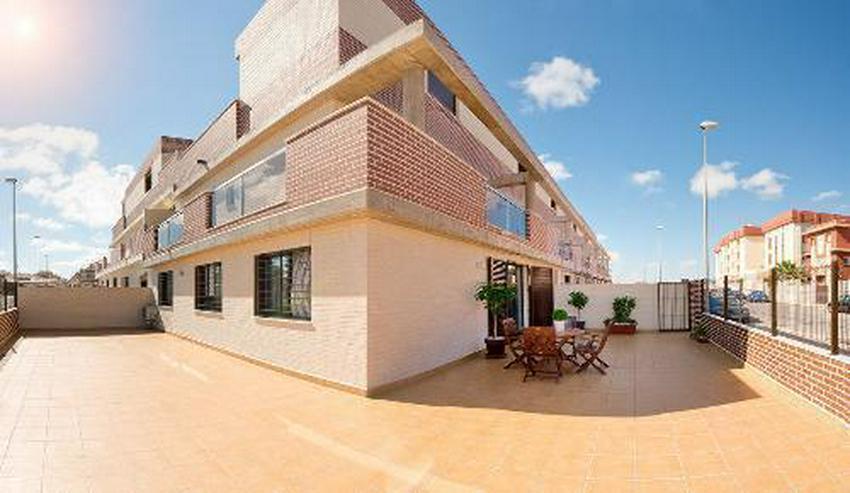 Bild 2: Moderne Maisonette-Wohnungen mit 3 Schlafzimmern und Gemeinschaftspool