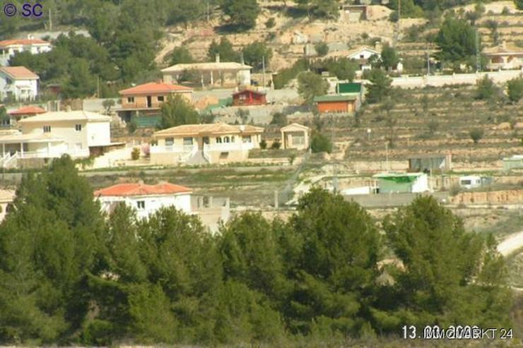 Bild 2: Baugrundstück bei Tibi