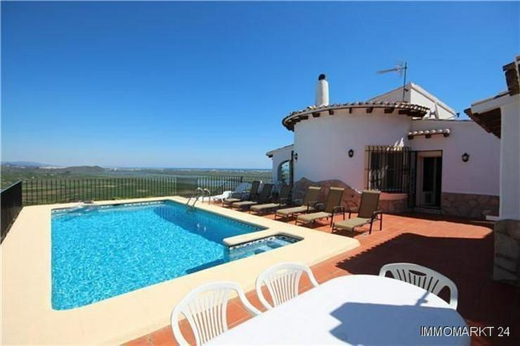 Großzügige Villa mit herrlichem Meerblick, Pool und separatem Gästeapaprtement - Bild 1