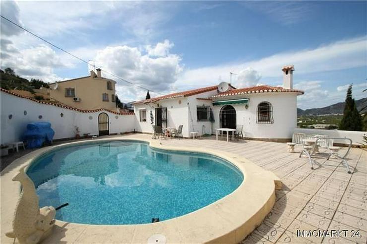 Gemütliche Villa in idyllischer Lage mit Pool und Meerblick - Bild 1