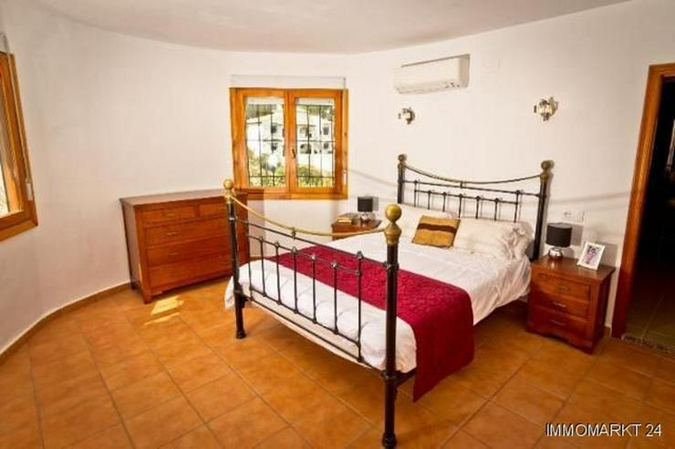 Bild 5: Sehr gepflegte Villa mit Pool und schöner Aussicht auf grossem Grundstück in Monte Pego