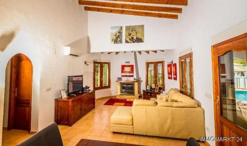 Bild 6: Sehr gepflegte Villa mit Pool und schöner Aussicht auf grossem Grundstück in Monte Pego