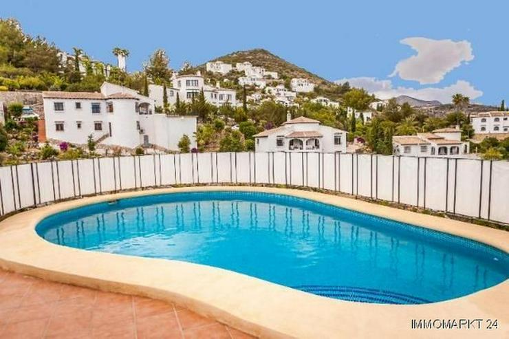 Bild 3: Sehr gepflegte Villa mit Pool und schöner Aussicht auf grossem Grundstück in Monte Pego