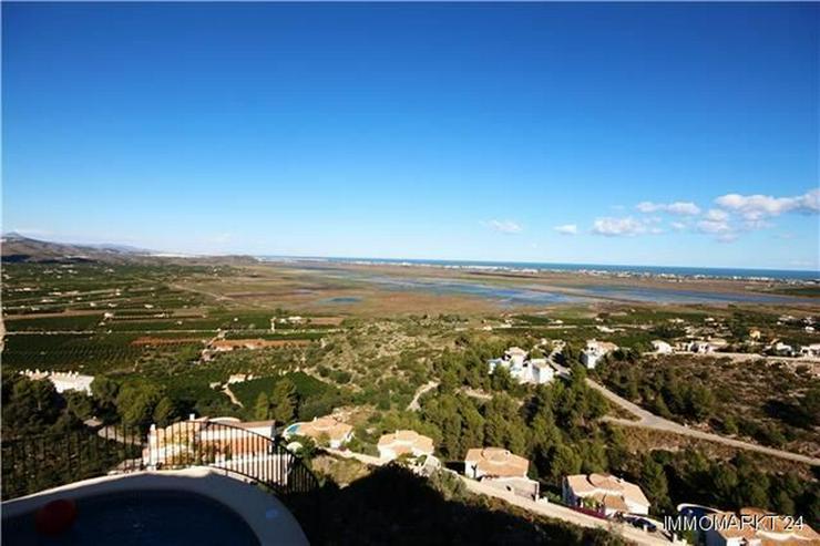 Bild 3: Schöne Villa mit herrlichem Blick über die Reisfelder auf das Meer