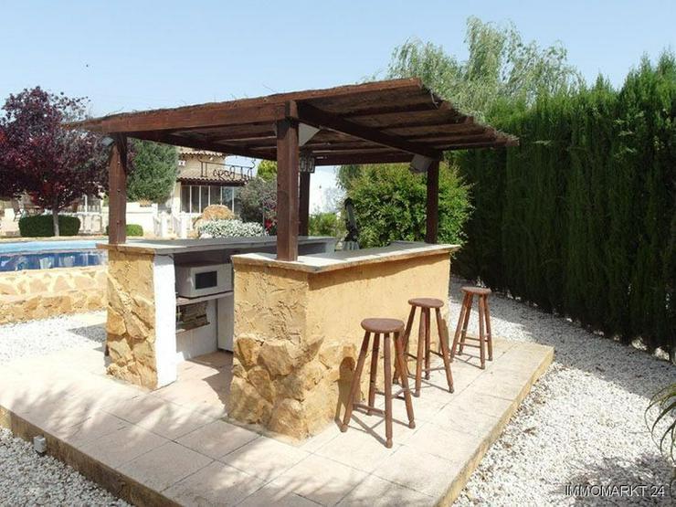 Bild 3: Wunderschöne Landhaus-Villa mit Pool und Gästeappartement