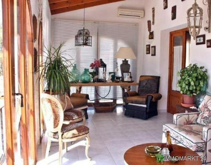 Bild 7: Elegante Villa mit Gästehaus, Pool und Garage