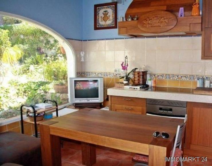 Elegante Villa mit Gästehaus, Pool und Garage - Haus kaufen - Bild 5