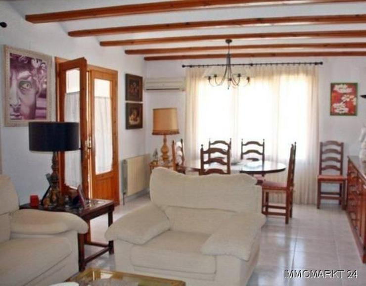 Bild 9: Elegante Villa mit Gästehaus, Pool und Garage
