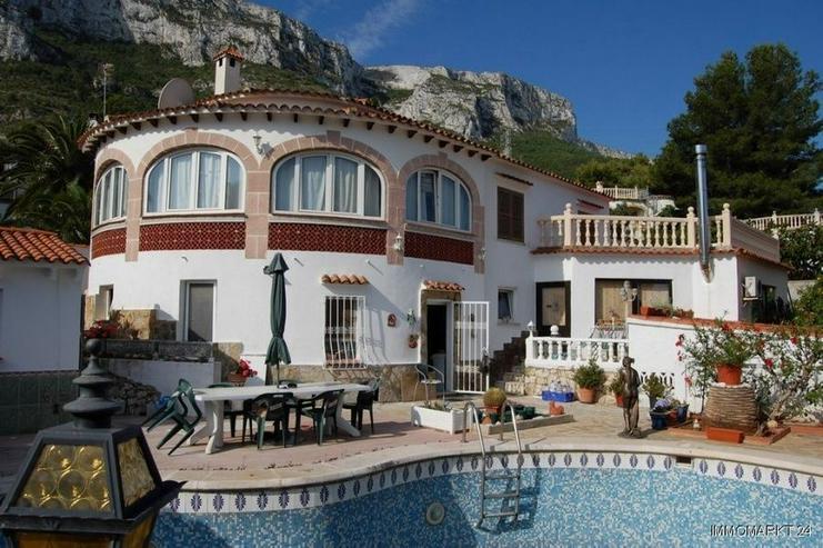 Großzügige Villa mit Pool, Gästeappartement und Garage in San Juan - Bild 1