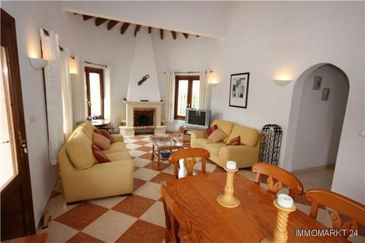 Bild 6: Neuwertige und sehr gepflegte Villa in ruhiger Lage mit schönem Bergblick