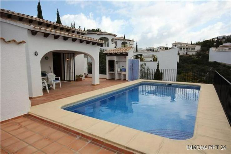 Bild 2: Neuwertige und sehr gepflegte Villa in ruhiger Lage mit schönem Bergblick