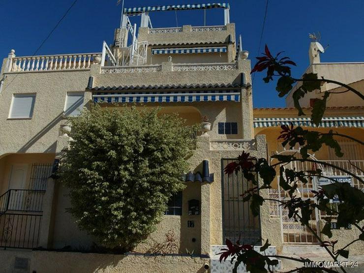Reihenhaus mit Terrasse, Balkon und Dachterrasse mit sehr schönem Ausblick - Haus kaufen - Bild 1