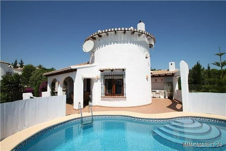 Bild 2: Attraktive gepflegte Villa am Monte Pego in sonniger Lage auf einem flachen Grundstück