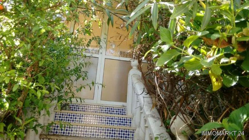 Bild 2: Renovierungsbedürftige Villa mit Wintergarten und Garage