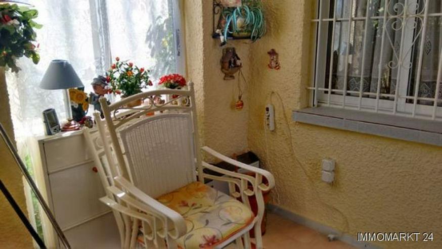 Bild 3: Renovierungsbedürftige Villa mit Wintergarten und Garage
