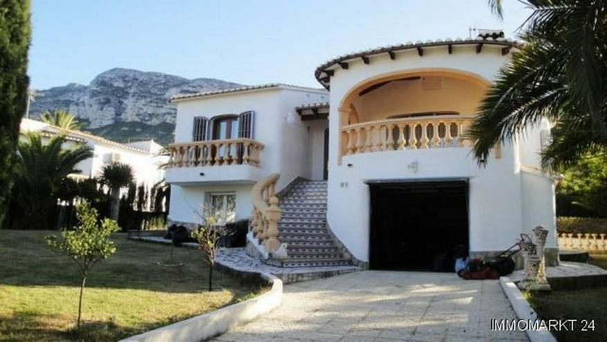 Lichtdurchflutete Villa in Tossal Gros - Bild 1