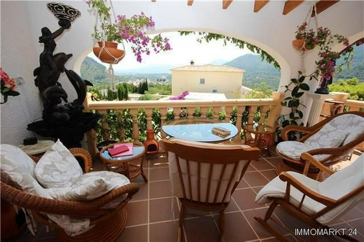 Bild 3: Gemütliche Villa in sonniger Lage mit Pool, Carport und schönem Panoramablick
