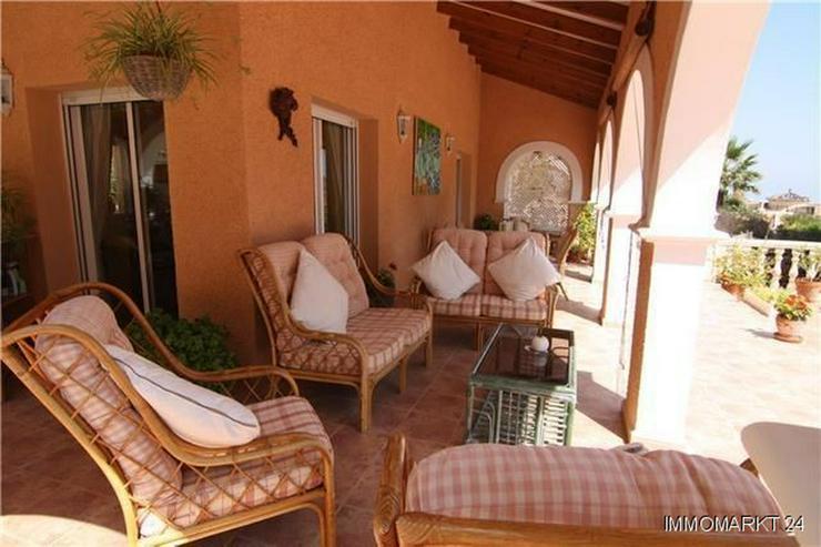 Bild 5: Märchenhafte Villa mit Garage, beheizbarem Pool und schönem Meer- und Bergblick