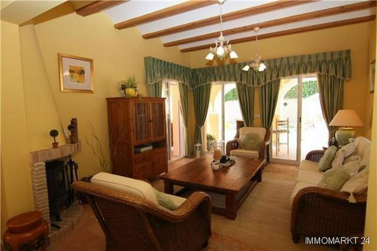 Bild 6: Märchenhafte Villa mit Garage, beheizbarem Pool und schönem Meer- und Bergblick