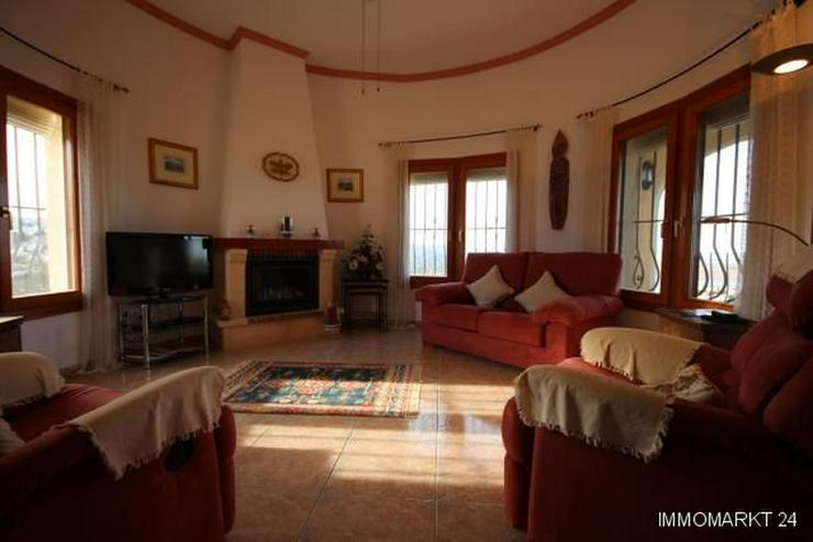 Bild 6: Sehr gepflegte Villa mit Pool und großem Einliegerapartment in herrlicher Aussichtslage a...
