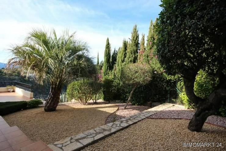 Bild 3: Sehr gepflegte Villa mit Pool und großem Einliegerapartment in herrlicher Aussichtslage a...